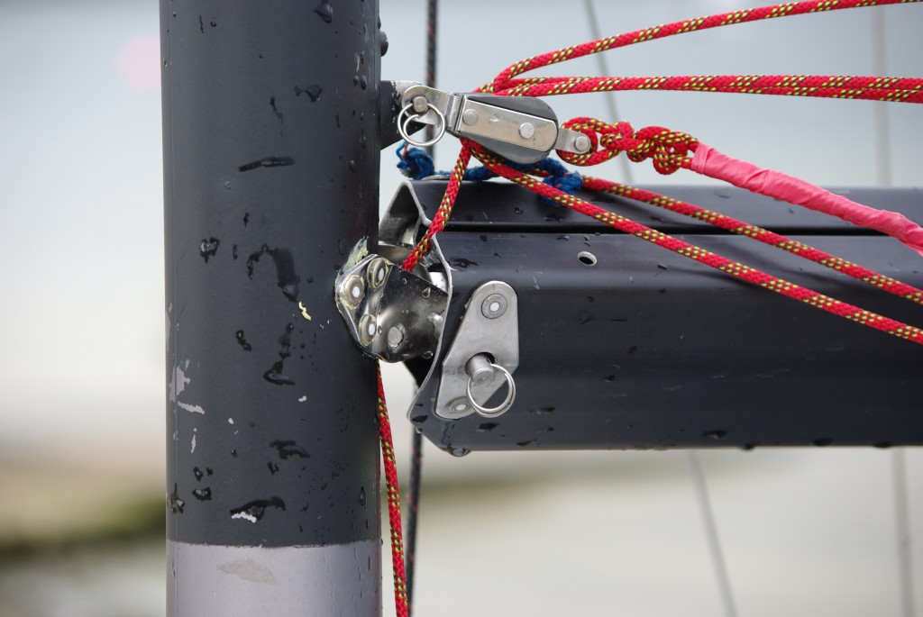 Standard gooseneck assembly on a 'Vortex Lazer Asymetric' racing dinghy damaged because of insubstanial mounting on the mast.