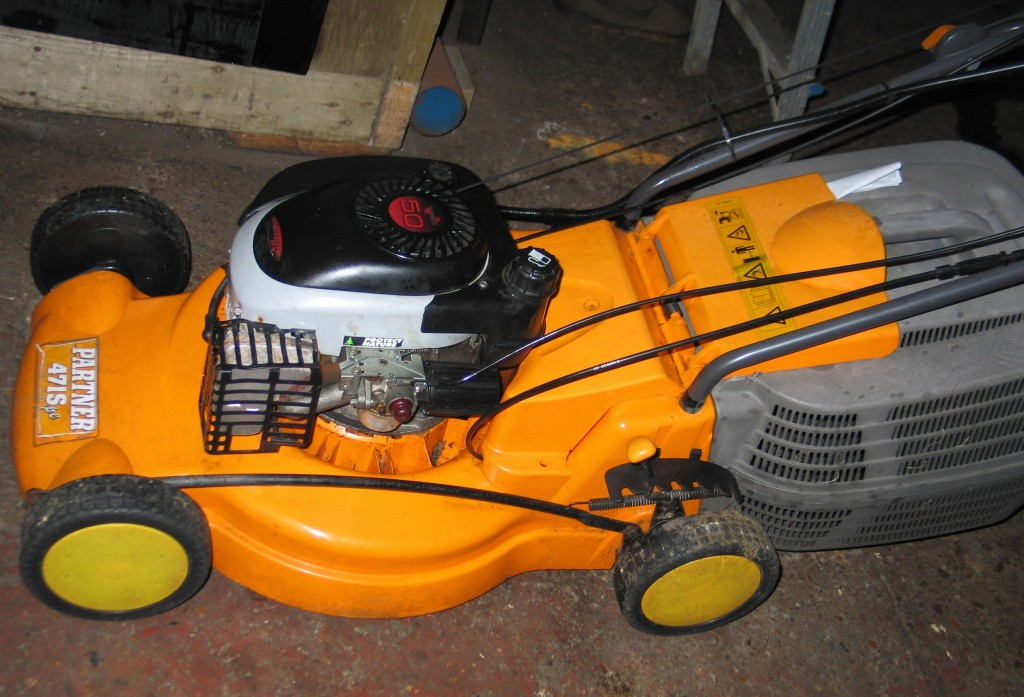 A standard type rotary petrol mower