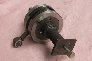 bearing shell puller fitted to crank shaft
