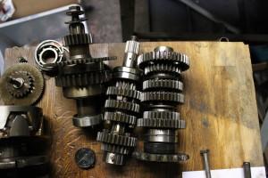 Honda CB400 gear box internals