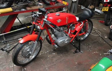Fixing And Refurbishing A Ducati 250 Mach 1
