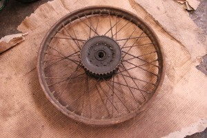 Old BSA C11 1939 back wheel